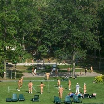 Emerald Lake Resort - Nudist Escapes | Nudist Escapes
