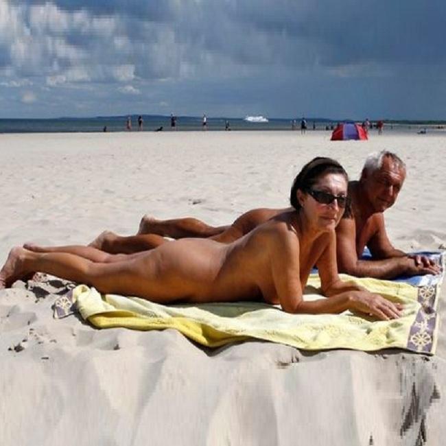 pics-cindy-nudist-beach-fkk-strand-masterbating-strawberry-shortcake